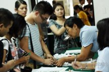 Election registration at the UP College of Mass Communication. Photo by Roehl Nino Bautista