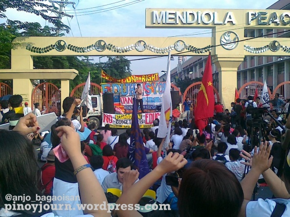 College Students walkout to Mendiola Sept 24 on education budget