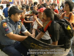 Sept 24 student walkout clash with anti-riot police at mendiola shot by Edmond Llosala ABS-CBN