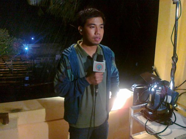 Click to watch Harris's live report. (Shot by Anjo Bagaoisan)