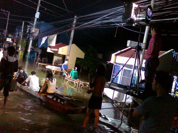 Broadcast HMI lights illuminating flooded Calumpit Bulacan October 2011. Shot by Anjo Bagaoisan)