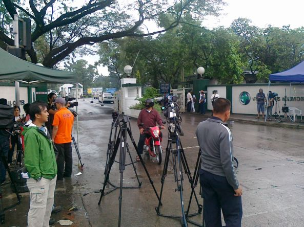 Media waiting outside Veterans Memorial Medical Center Dec 9 2011 (Shot by Anjo Bagaoisan)
