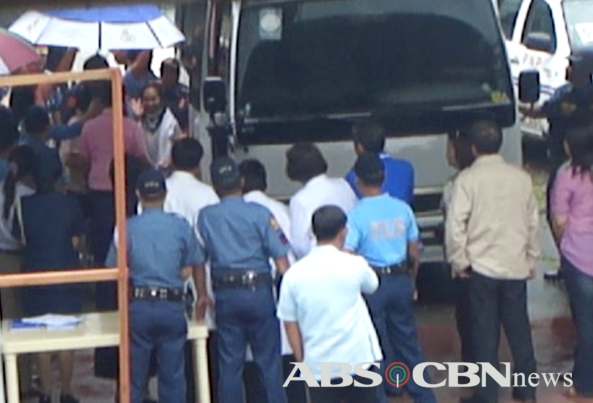 ABS-CBN exclusive video - GMA arrives at VMMC December 9, 2010