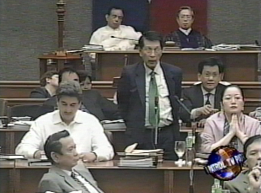 Sen. Juan Ponce Enrile votes No to opening the second envelope of the Estrada impeachment trial. (ABS-CBN / TV Patrol footage)