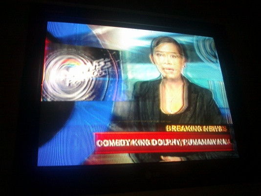 Sol Aragones breaking news of Dolphy's death on ABS-CBN News Patrol, July 10, 2012 (Shot by Anjo Bagaoisan)