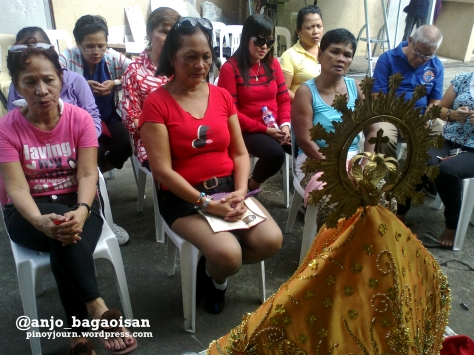 Supporters of Jesse Robredo pray to the Lady of Penafrancia for his recovery Shot August 20, 2012 by Anjo Bagaoisan
