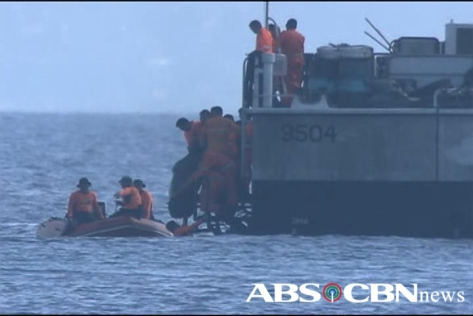 Body bag containing Sec. Jesse Robredo being recovered from sea of Masbate August 21, 2012, Shot by Val Cuenca, ABS-CBN News