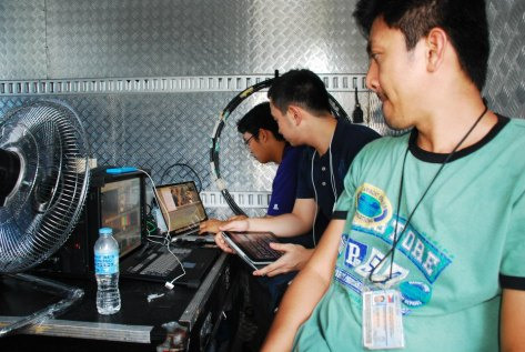 Editing news video for TV Patrol in Naga with reporter Ryan Chua Shot August 20, 2012 by Mel Estallo
