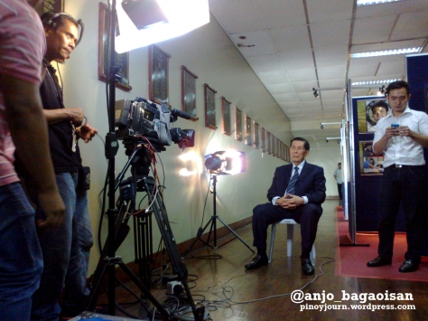 Senate President Juan Ponce Enrile on standby to be interviewed on ABS-CBN TV Patrol on his spat with Sen. Antonio Trillanes (Shot Sept 19, 2012 by Anjo Bagaoisan)