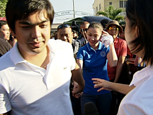 Jodi Jolo arrive at Imus (Shot by Angelo Valderama, ABS-CBN News, April 4, 2013)