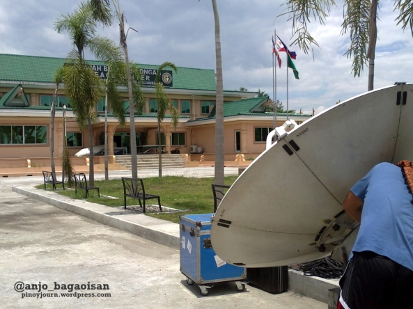 ABS-CBN satellite set up at the Rajah Buayan Silongan Peace center - Maguindanao provincial satellite office, May 2013 (Shot by Anjo Bagaoisan)
