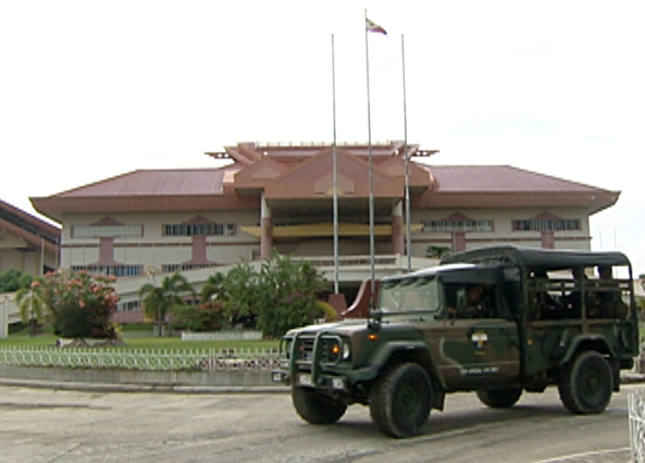Army vehicles at the old Maguindanao provincial captiol in Shariff Aguak (Shot by Gani Taoatao, ABS-CBN News)