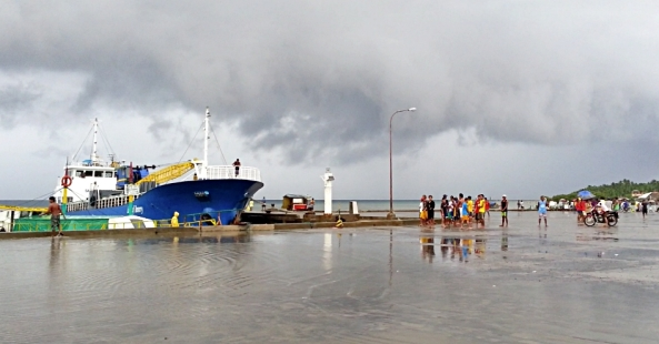 Wide shot of port in Aroroy, Masbate as storm clouds gather (Shot on June 18, 2013 by Doni Bolante)