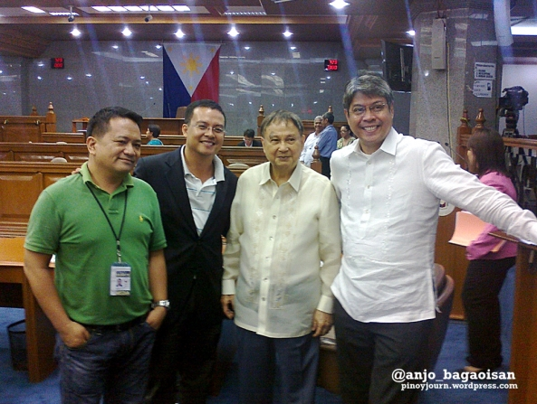 Senate staff pose with outgoing Senators Joker Arroyo and Francis Pangilinan after their last day in the 15th Congress. (Shot June 6, 2013 by Anjo Bagaoisan)