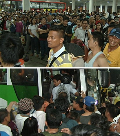 Long lines and packed entrances to the buses at the Southwest Integrated Bus Terminal. (Shots by Evart Villar, ABS-CBN News)