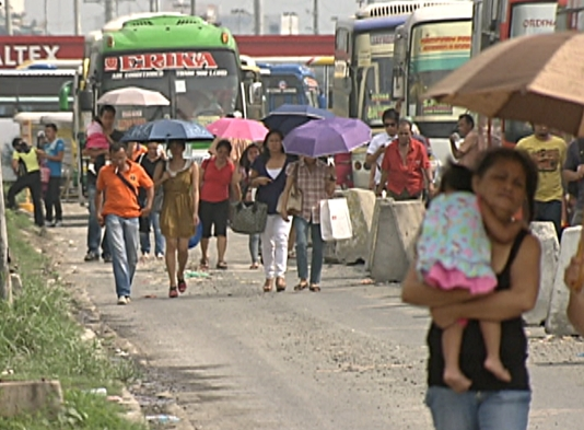 Provincial commuters are now dropped off a walk's distance from the City Bus Terminal. (Shot by Nestor Prillo, ABS-CBN News)