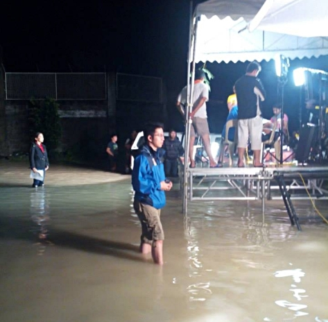 Sto. Tomas, Pampanga-- Karen Davila and ABS-CBN Pampanga's Jayvie Dizon report live. (Shot by Irish Vidal)