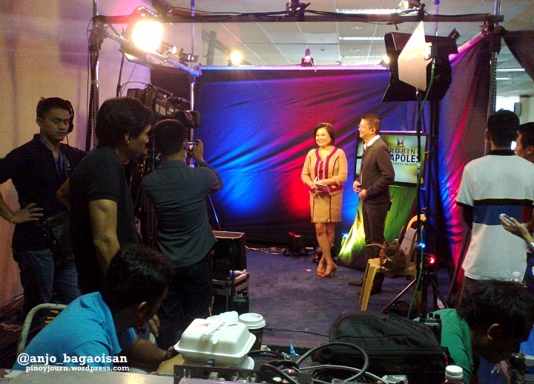 Lynda Jumilla interviews Sen. Francis Chiz Escudero the day Janet Napoles faced the Senate. (Shot Nov 7, 2013 by Anjo Bagaoisan)
