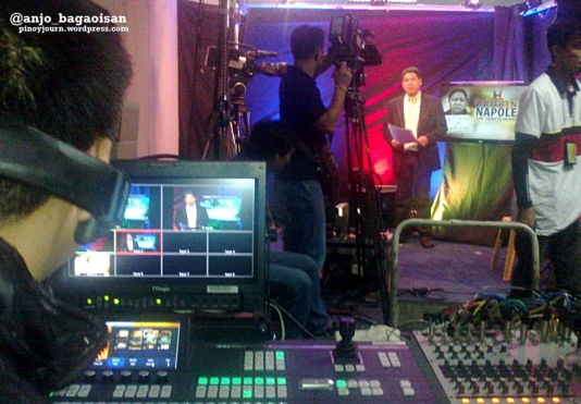 ABS-CBN reporter Ron Gagalac preparing to report on ANC from the Senate on Janet Napoles at the Pork Barrel Scam hearing (Shot Nov 7, 2013 by Anjo Bagaoisan)