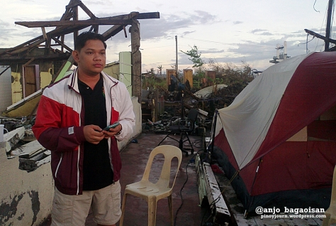 Francis Faulve going live for UKG, just beside where we eat and sleep. (Shot by Anjo Bagaoisan)