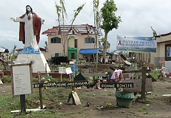 A mass grave of Yolanda victims in Palo, Leyte (Shot by Herman Ondillo, ABS-CBN News)