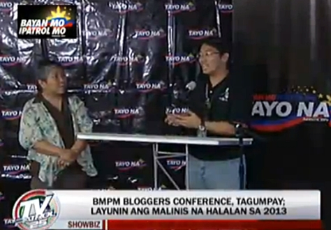 Anjo Bagaoisan speaking at Bayan Mo iPatrol Mo bloggers conference in ABS-CBN (Screen grab from TV Patrol)