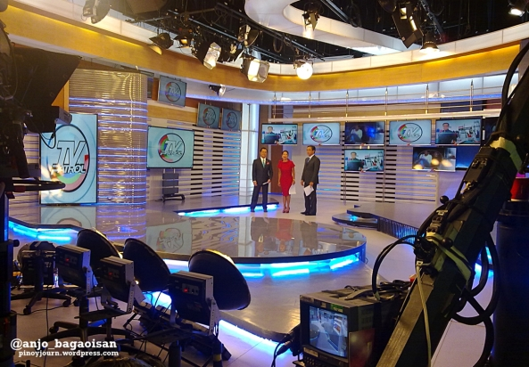 TV Patrol anchors Noli De Castro, Korina Sanchez, and Ted Failon wait for their cue on the set during the March 3, 2014 newscast (Shot by Anjo Bagaoisan)