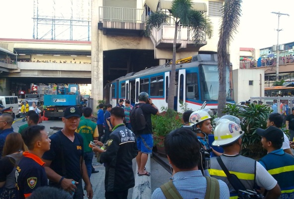 The ill-fated MRT carriage. (Shot by Anjo Bagaoisan)