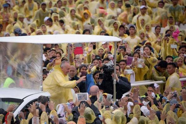 Pope Francis in Tacloban, Leyte. (Photo by Damir Sagolj, Reuters)