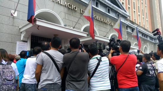 Media flock the Comelec main office on the first day of COC filings for elections 2016 (Shot by Anjo Bagaoisan)