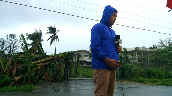 Dennis Datu and team on standby for a live report on ABS-CBN News advisory. (Shots by Anjo Bagaoisan)