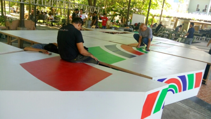 Preparing the debate stage for the ABS-CBN Manila Bulletin PiliPinas town hall debate (Shot by Anjo Bagaoisan)