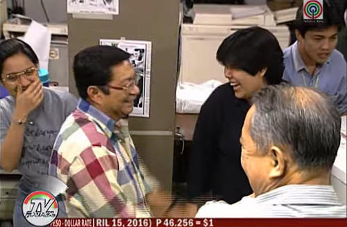 Rod Reyes in a Light moment in the newsroom (Grab from TV Patrol)