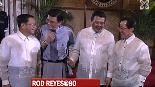 Rod Reyes with Pres. Joseph Estrada and fellow ABS-CBN News execs Angelo Castro Jr. and Dong Puno. (Grab from TV Patrol)