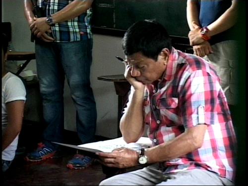 Rodrigo Duterte casts his vote for the presidency in Davao City 2016 (Shot by ABS-CBN News Davao)