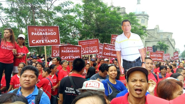 The closest sighting of Duterte at the Comelec was a stand-in (Shot by Anjo Bagaoisan)