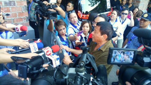 Duterte talks to reporters at the sidelines of the final presidential debate in Dagupan (Shot by Anjo Bagaoisan)