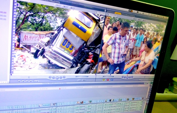 Screen shot of footage frames from Taytay truck crash on June 14, 2016 with reporter Jeck Batallones (Shot by Anjo Bagaoisan)